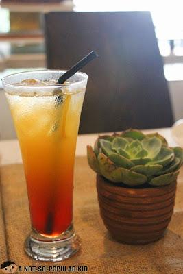 Marashino Sunrise Mocktail of Il Ponticello