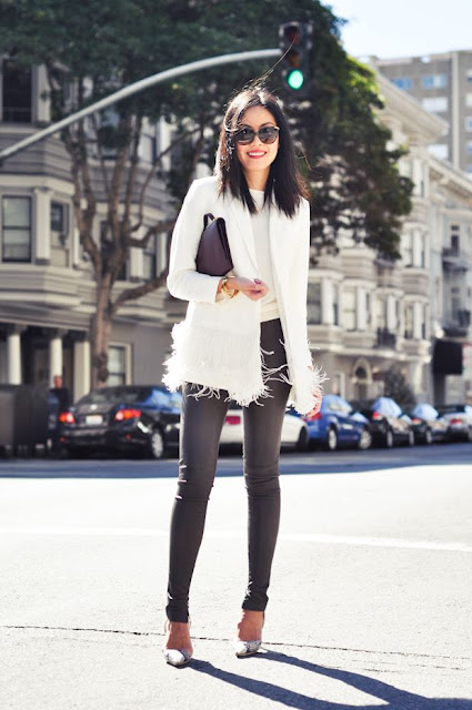 How to casually wear a feathered coat, black and white outfit, dressing up jeans, fashion blogger in a feather coat