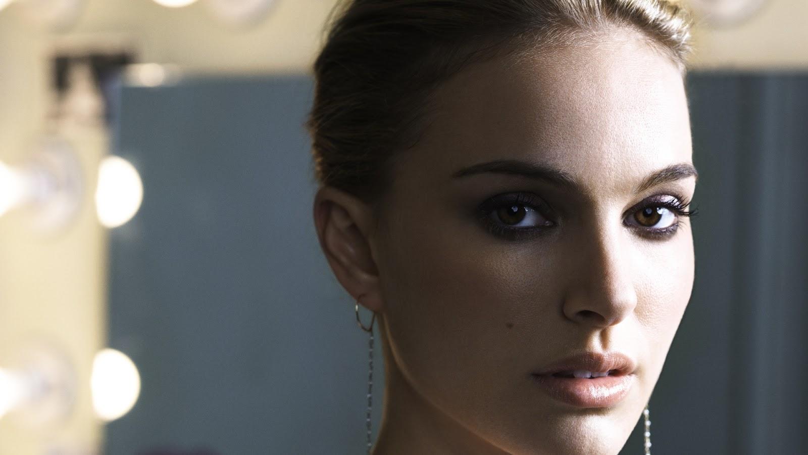 Natalie Portman Beautiful Eyes Wallpaper