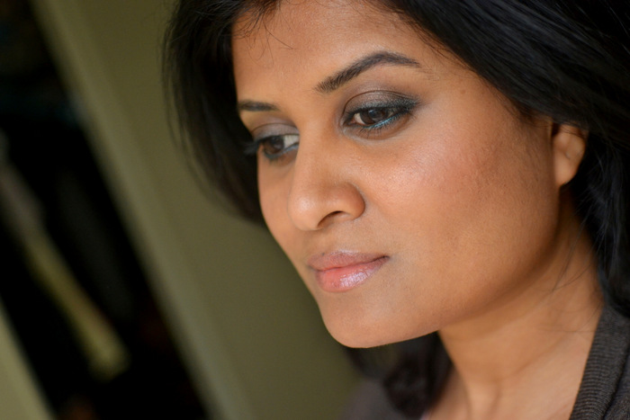 Easy Step by Step Makeup Tutorial - How to Bronze Brown Eyeshadow Smudged Dark Green Eyeliner Peach Lips