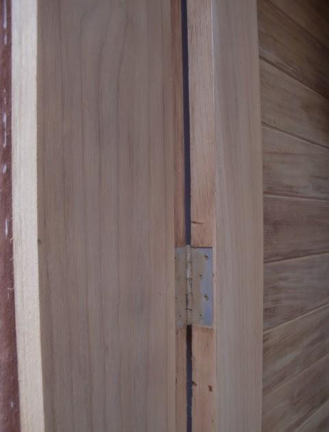 Decoraciones manualidades en madera como colocar una - Como barnizar una puerta de madera ...