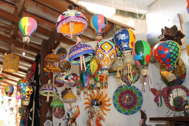 Paraty, Centro histórico, Rio, brinquedos cabaça, balões de cabaça