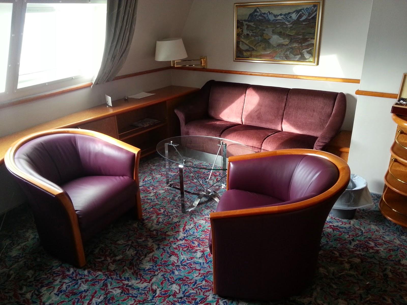 Hurtigruten MS Nordkapp - Suite Living Room