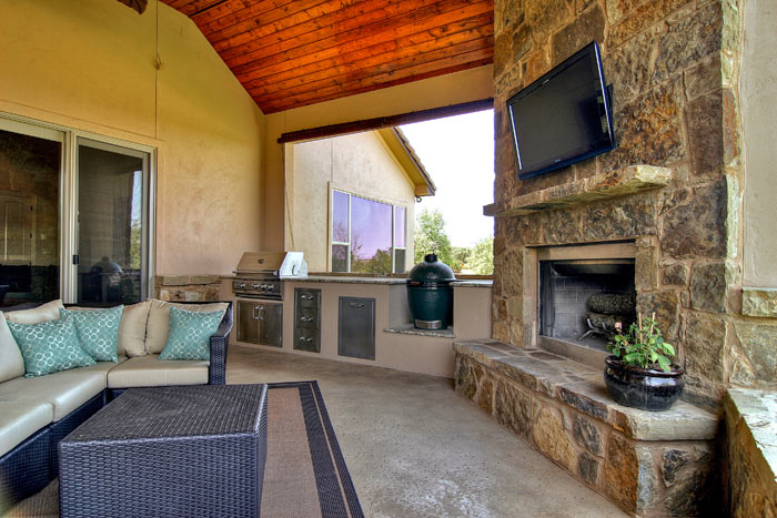 Remarkable Outdoor Living Space with Fireplace 700 x 467 · 93 kB · jpeg