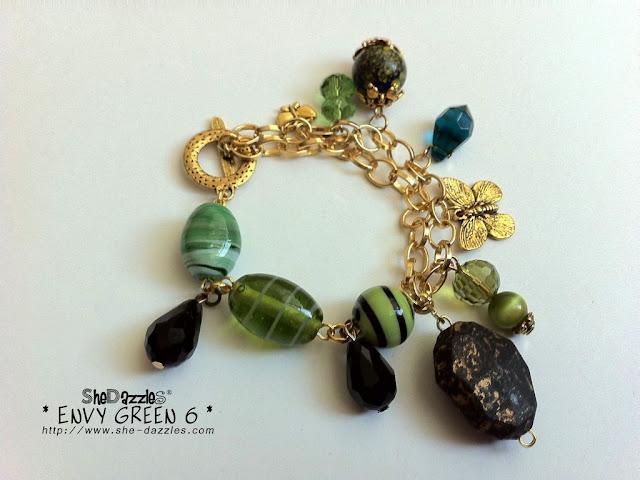 ar278-green-gold-charm-bracelet