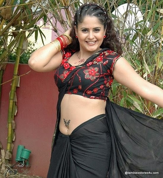 ... Desi Girls Navel,Saree Below Navel, Navel Kissing, Mallu Aunty Navel