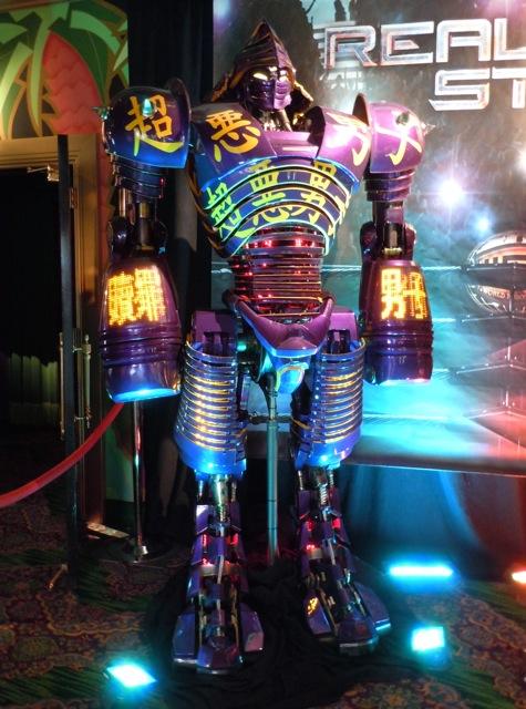 Noisy Boy Real Steel robot
