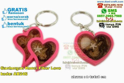 Gantungan Kunci Fiber Love