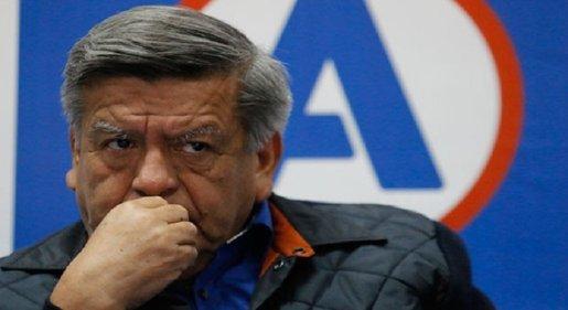 César Acuña: Indecopi inicia proceso en su contra por plagio de libro