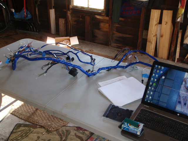 MGB in the Garage: New wiring harness, vinyl top, alternator, etcMGB in the Garage - blogger