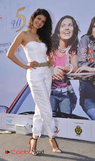 Tenae Desai Pictures in White Dress at 5th Edition Of Lavasa Womens Drive Event  0004.jpg