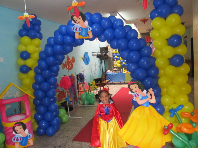 DECORACION FIESTA PRINCESA DISNEY BLANCA NIEVES | Decoracion ...