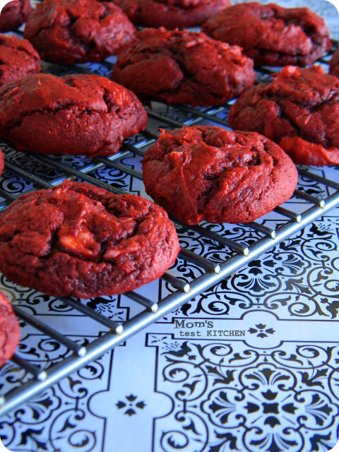 Cream Cheese Swirled Red Velvet Cookies | www.momstestkitchen.com | #SundaySupper