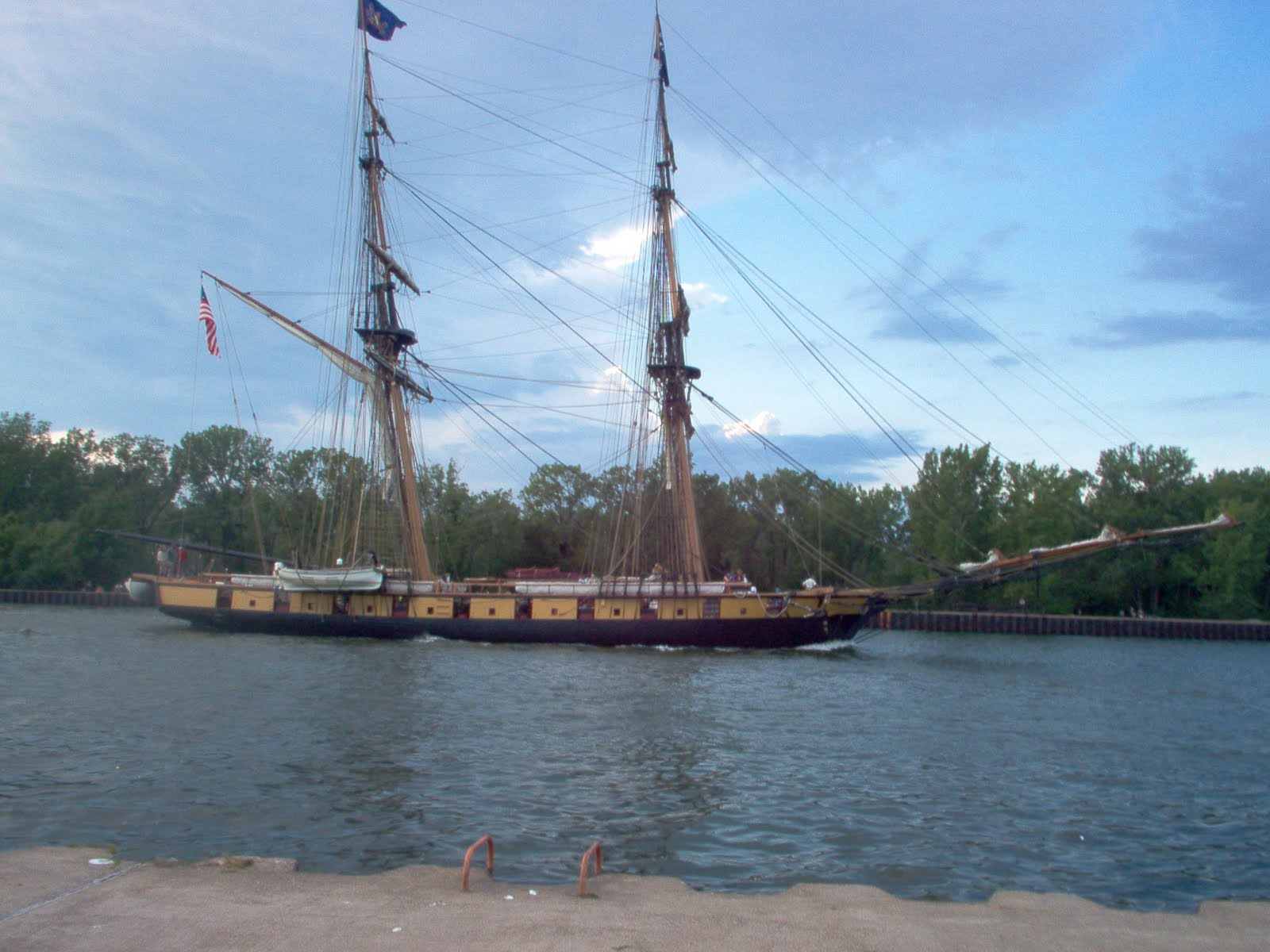 Robfisherie flagship niagara sails through channel in for Lake erie pier fishing