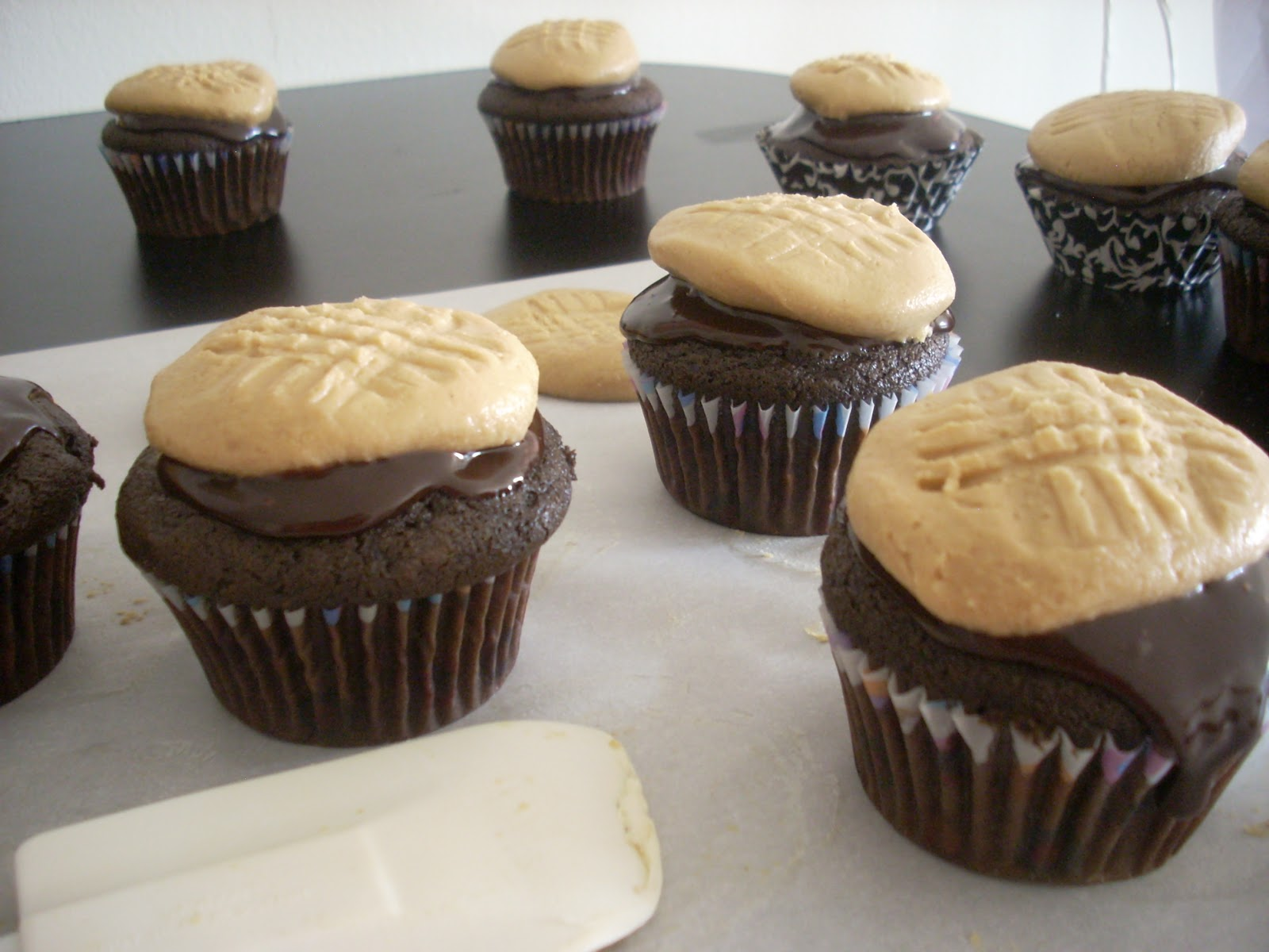 Tip Top Shape: Chocolate Cupcakes with Peanut Butter ...