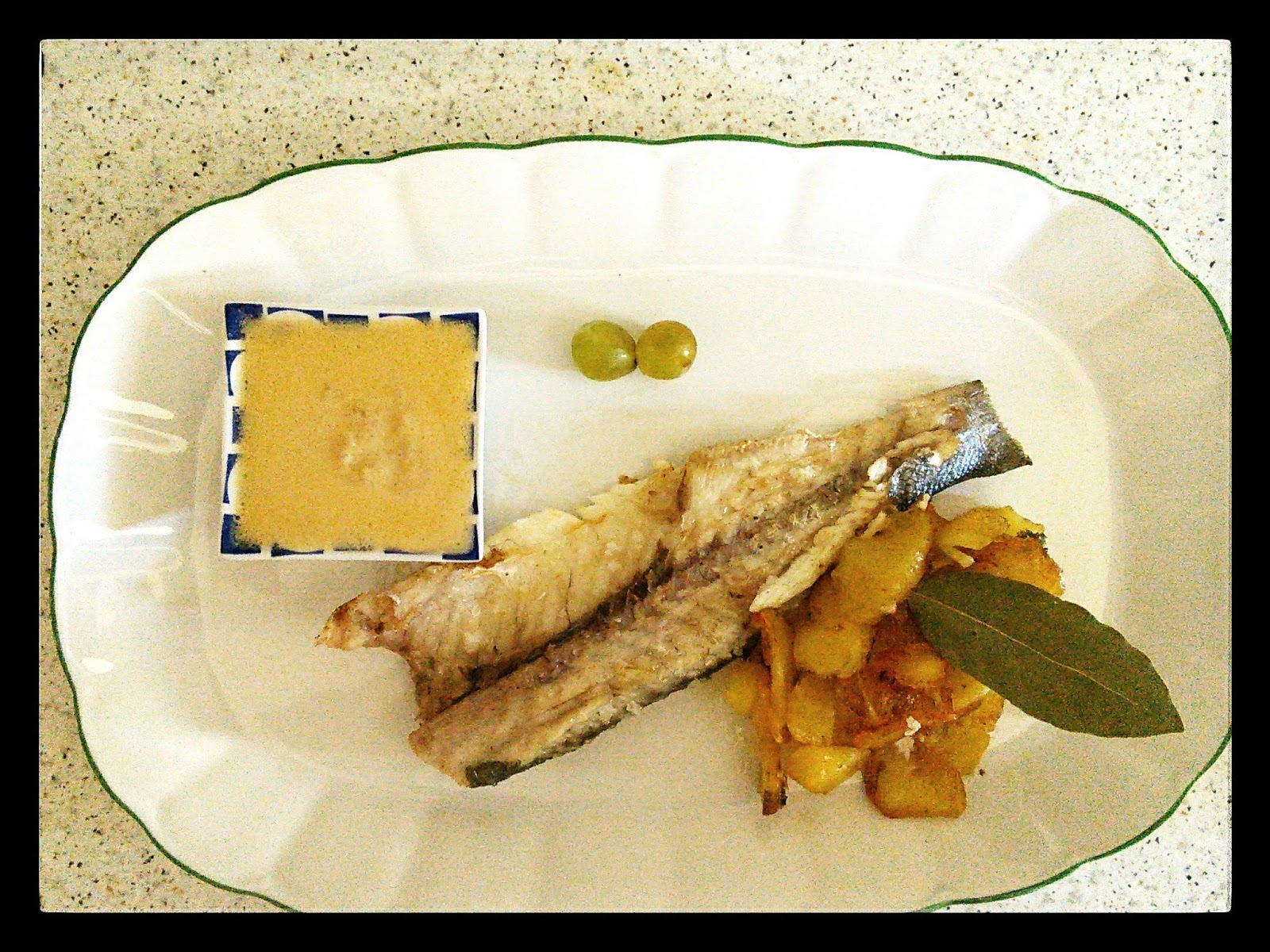 Lacocinasanadeaitziber lubina a la plancha en salsa de uvas - Salsa para lubina a la sal ...