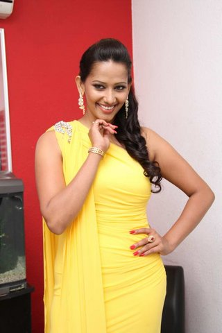 sanjana singh spicy latest photos