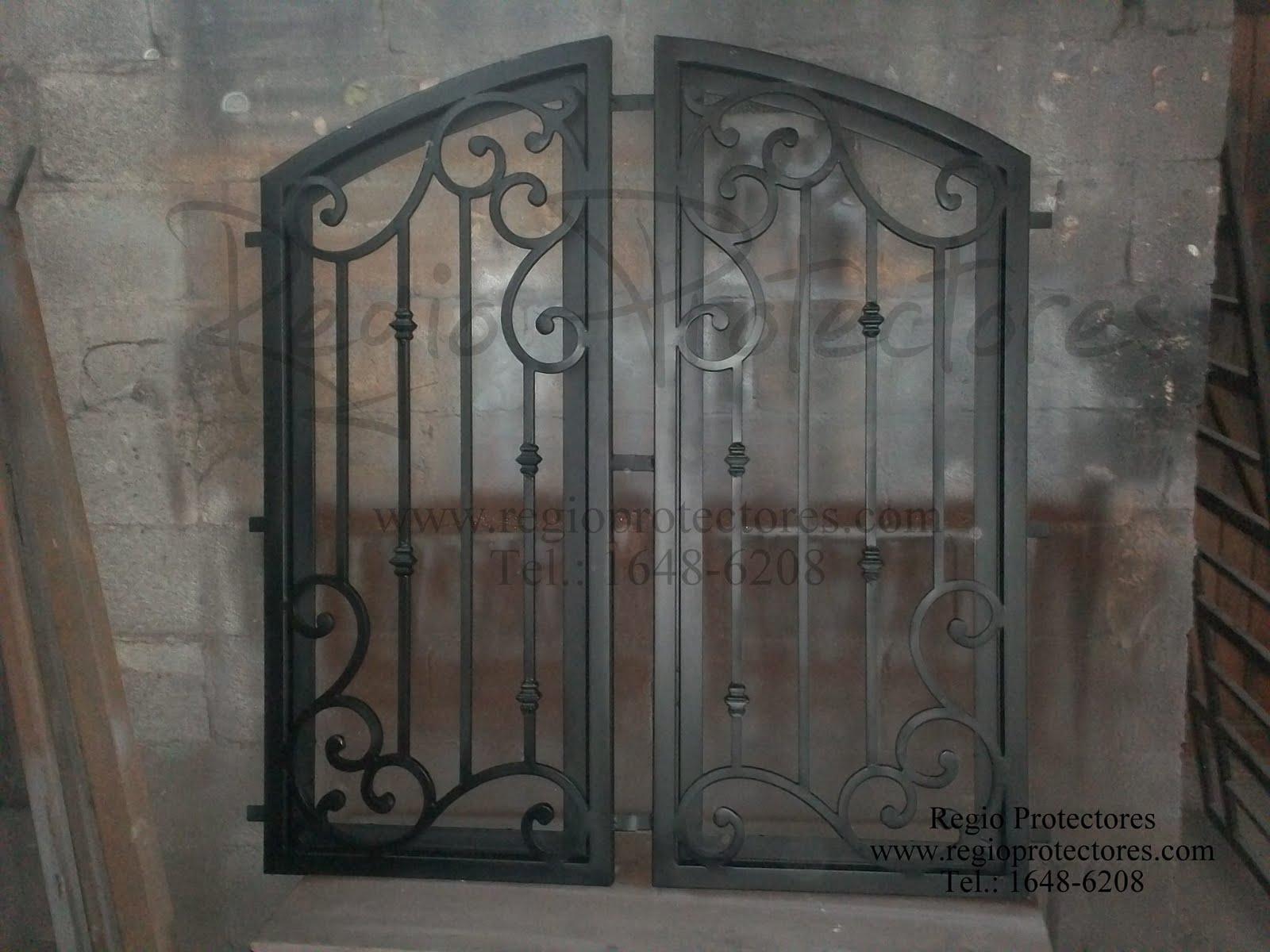 ... : Insertos de hierro forjado para puerta de madera, Celaya, Gto