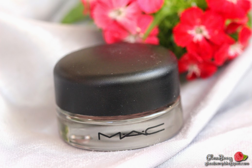 Mac Paint Pot - Vintage Selection. review swatches cream eyeshadow nude pink metallic מאק צללית קרם סקירה