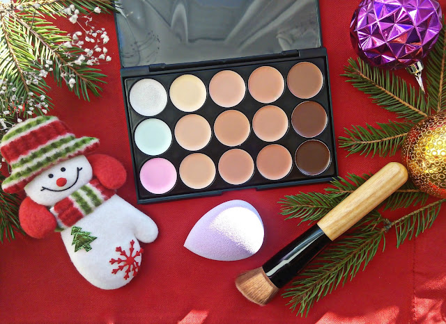 Contour Concealer Palette and Sponge Puff and Powder Brush