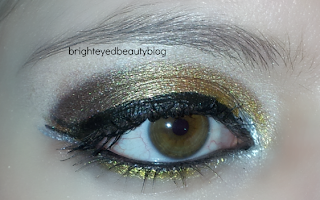New Year's Eve mixed metals graphic eyeliner eye look