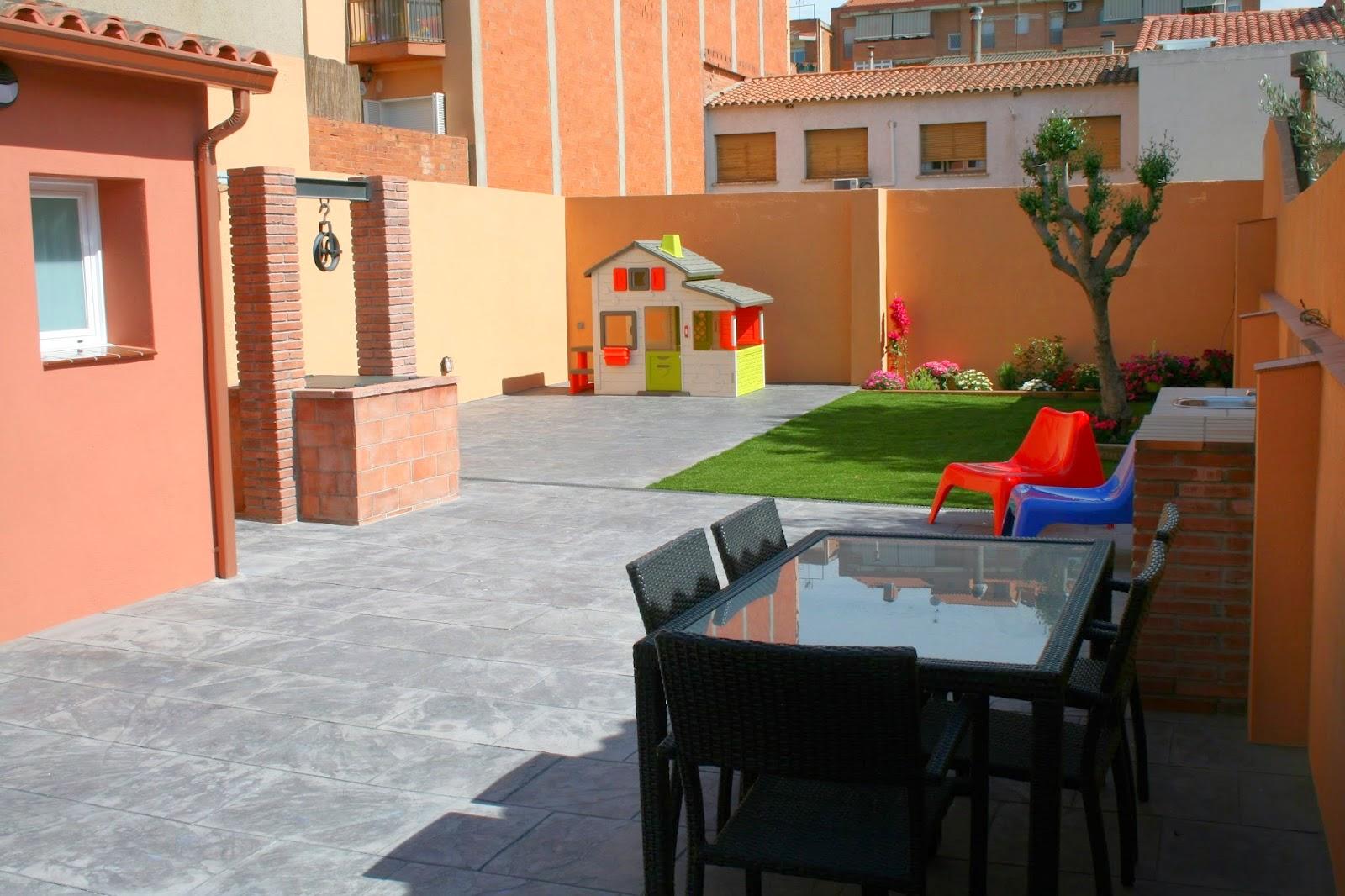Transformación del patio trasero de ESPAI FONTANELLA