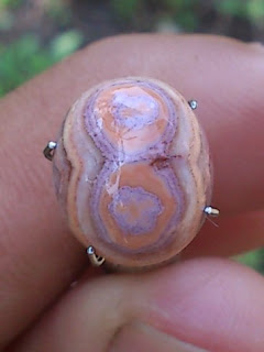 Natural Image of 8 on agate