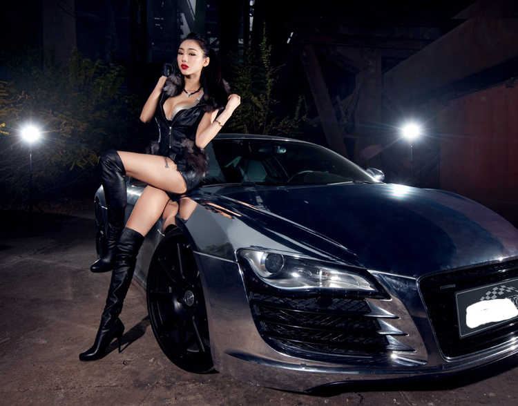 The beautiful side of the vehicle ~ Asian Girls