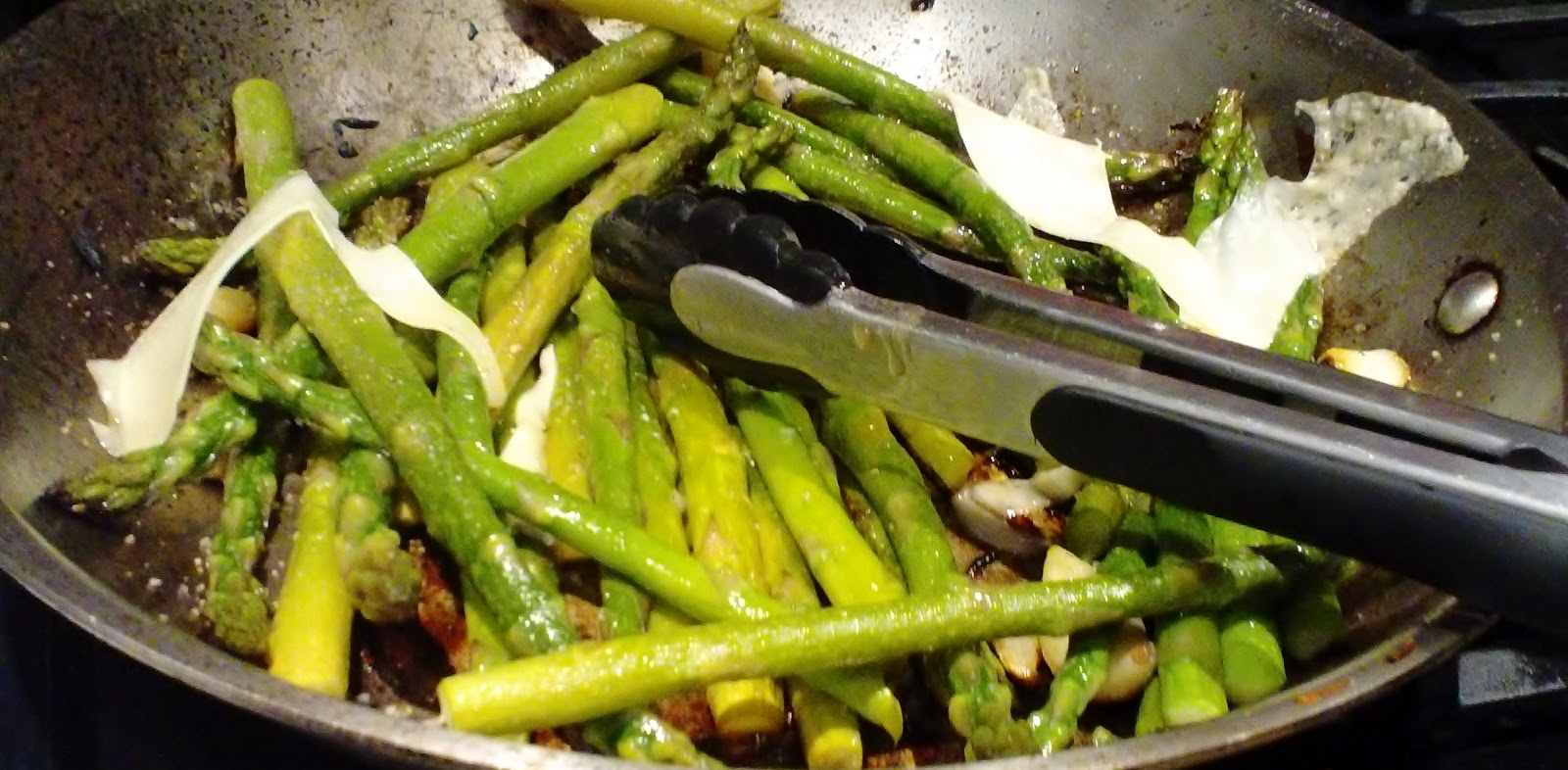 ... and the Vegetarian: Pan-Roasted Asparagus with Lemon and Garlic