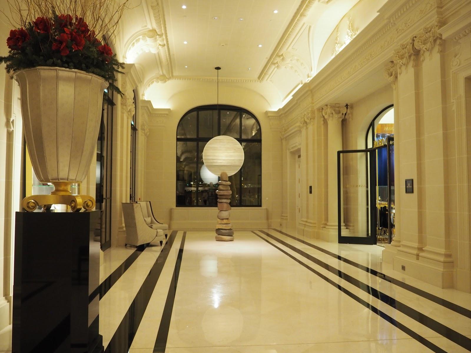 Peninsula Hotel, Paris, Reception