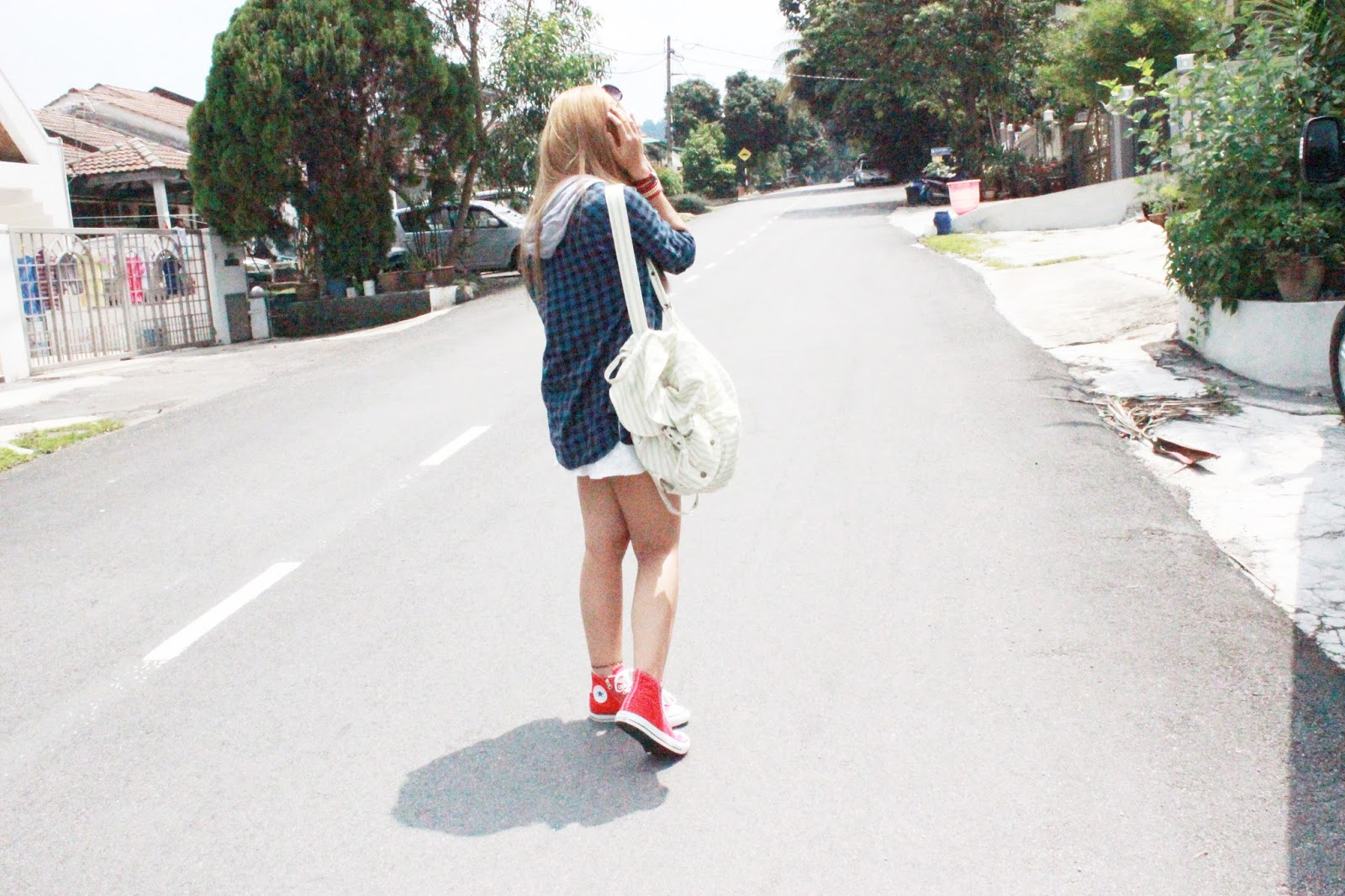 white dress , lookbook , cotton on , topshop , converse , red sneakers