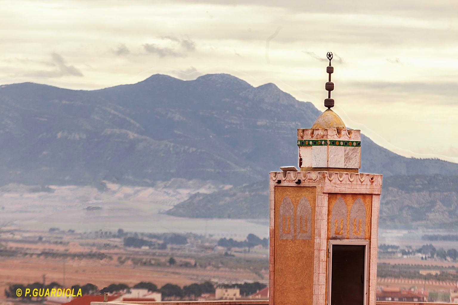 Minarete frente al Carche