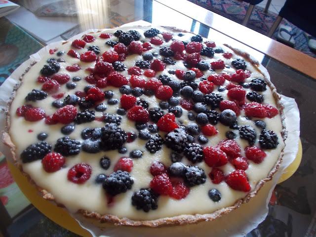 merenda d'estate: crostata ai frutti rossi e crema pasticcera alternativa!