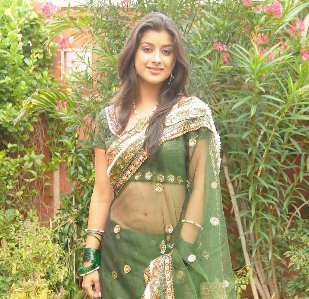 Bengali Bombshell Madhurima Banerjee in Designer Pink Saree