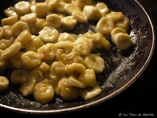 Bananes caramélisées (voir la recette)