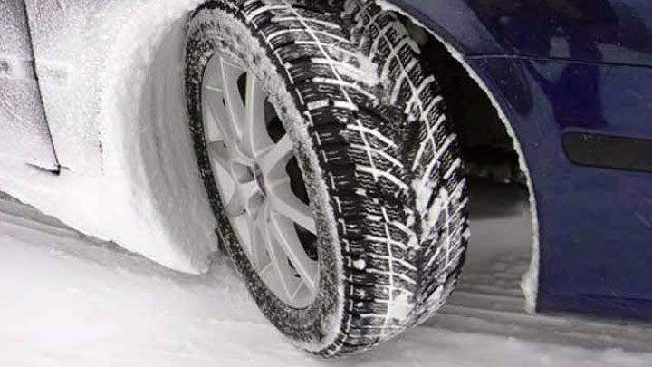 Kış lastiği artık otomobillerde de zorunlu