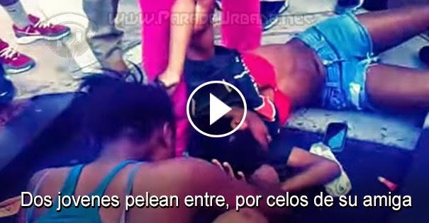 PELEAS CALLEJERAS: Dos jóvenes pelean entre, por celar a su amiga