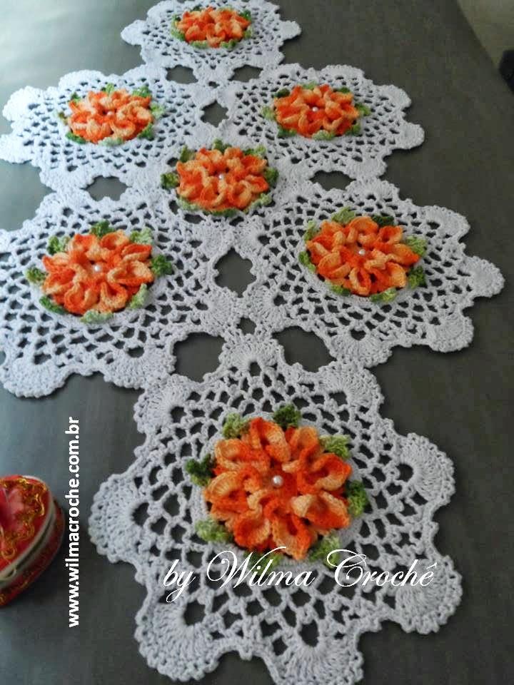 Caminho de mesa flor bico de papagaio