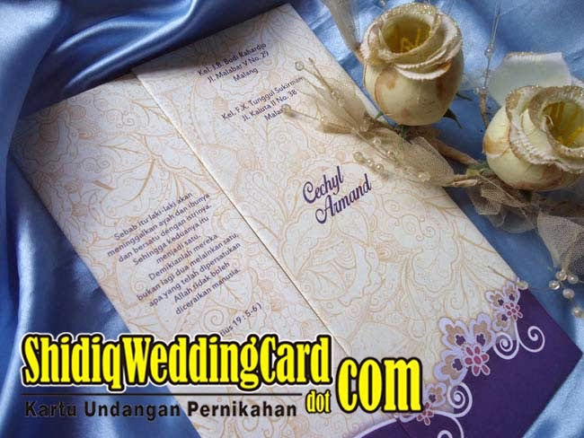 http://www.shidiqweddingcard.com/2015/02/hardcover-26.html