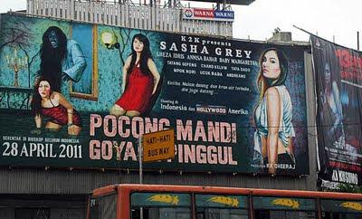 Sasha Grey in pocong mandi goyang pinggul