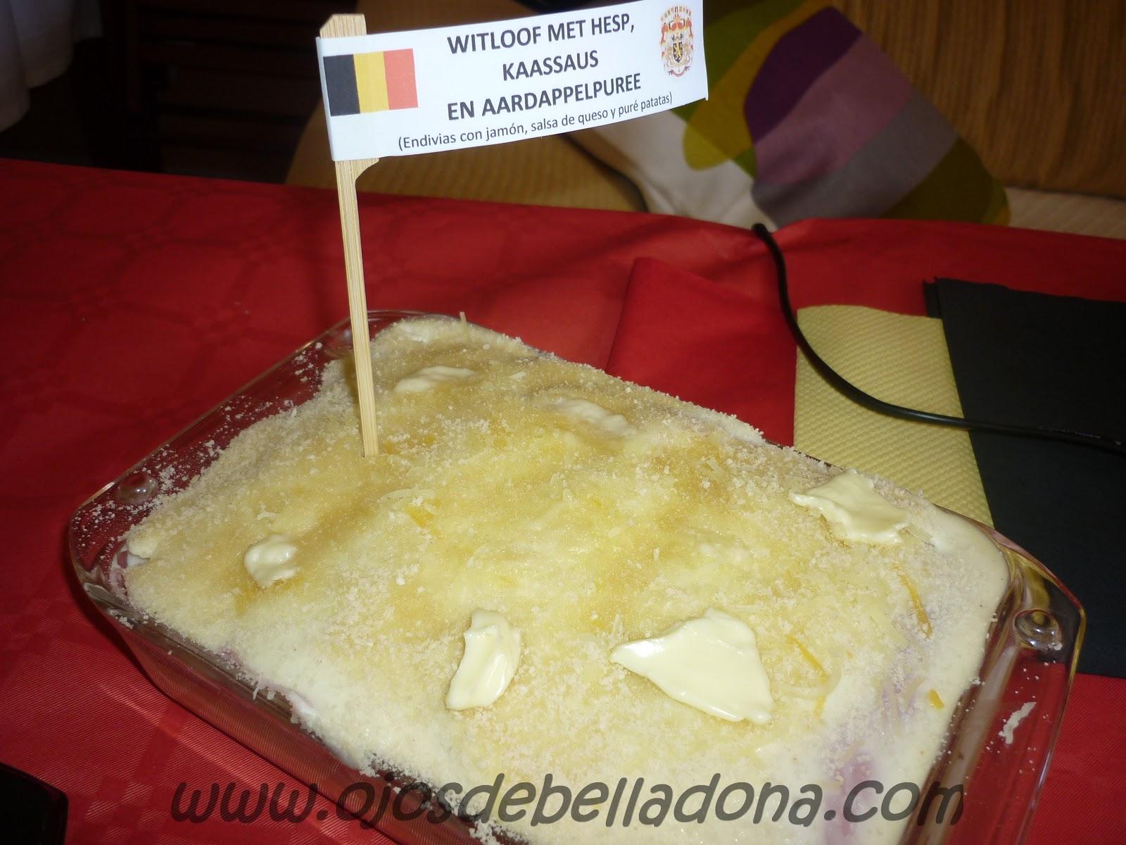 Witloof met hesp, kaassaus en aardappelpuree (Endivias con jamón, salsa de queso y puré de patatas), Bélgica