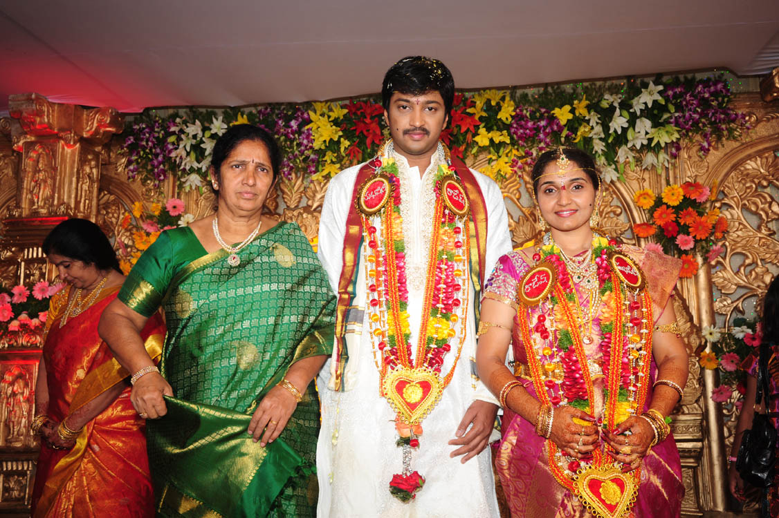 Aryan Rajesh Suhasini Marriage Photos Gallery Aryan Rajesh Wedding Pictures
