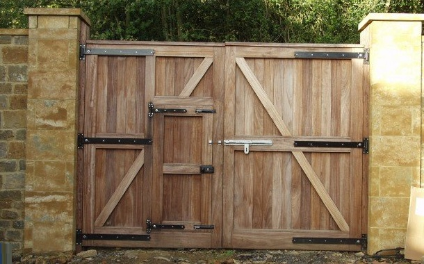 Как сделать красивые деревянные ворота своими руками 43