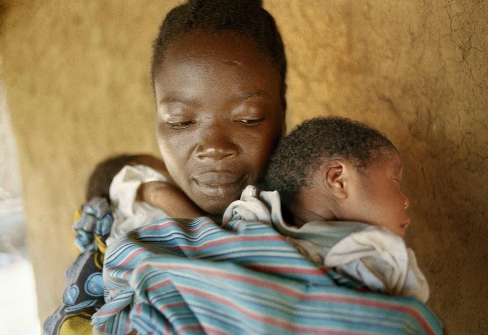 maternidad, crianza, vínculo afectivo, gemelos, mellizos, trillizos, múltiples