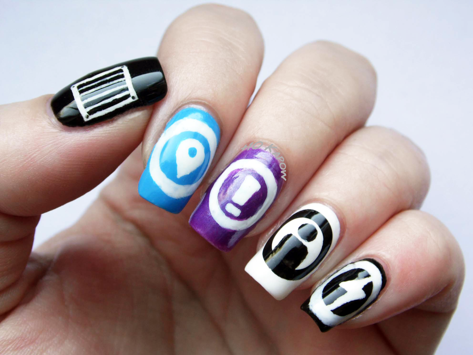 Plus10Kapow: Inspired by Loot Crate- Superfight nails