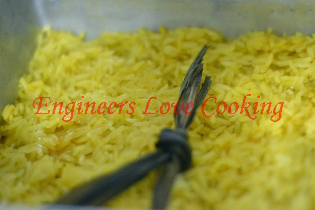 pulut kuning / turmeric glutinous rice