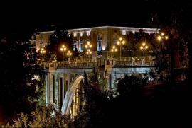 Madrid: La calle Segovia y el Viaducto de Segovia. Contratiempos y más contratiempos. La imposibilidad de encontrar un taxi libre