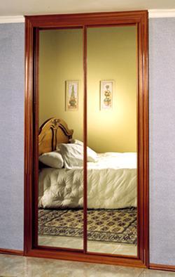 T preguntas ideas para ocultar espejo de las puertas for Papel pintado para puertas de armario