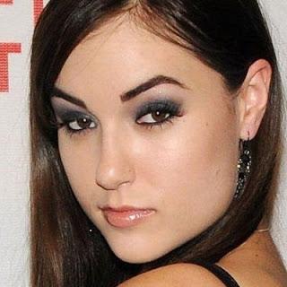 5 Bintang Film Porno Tercantik di Dunia