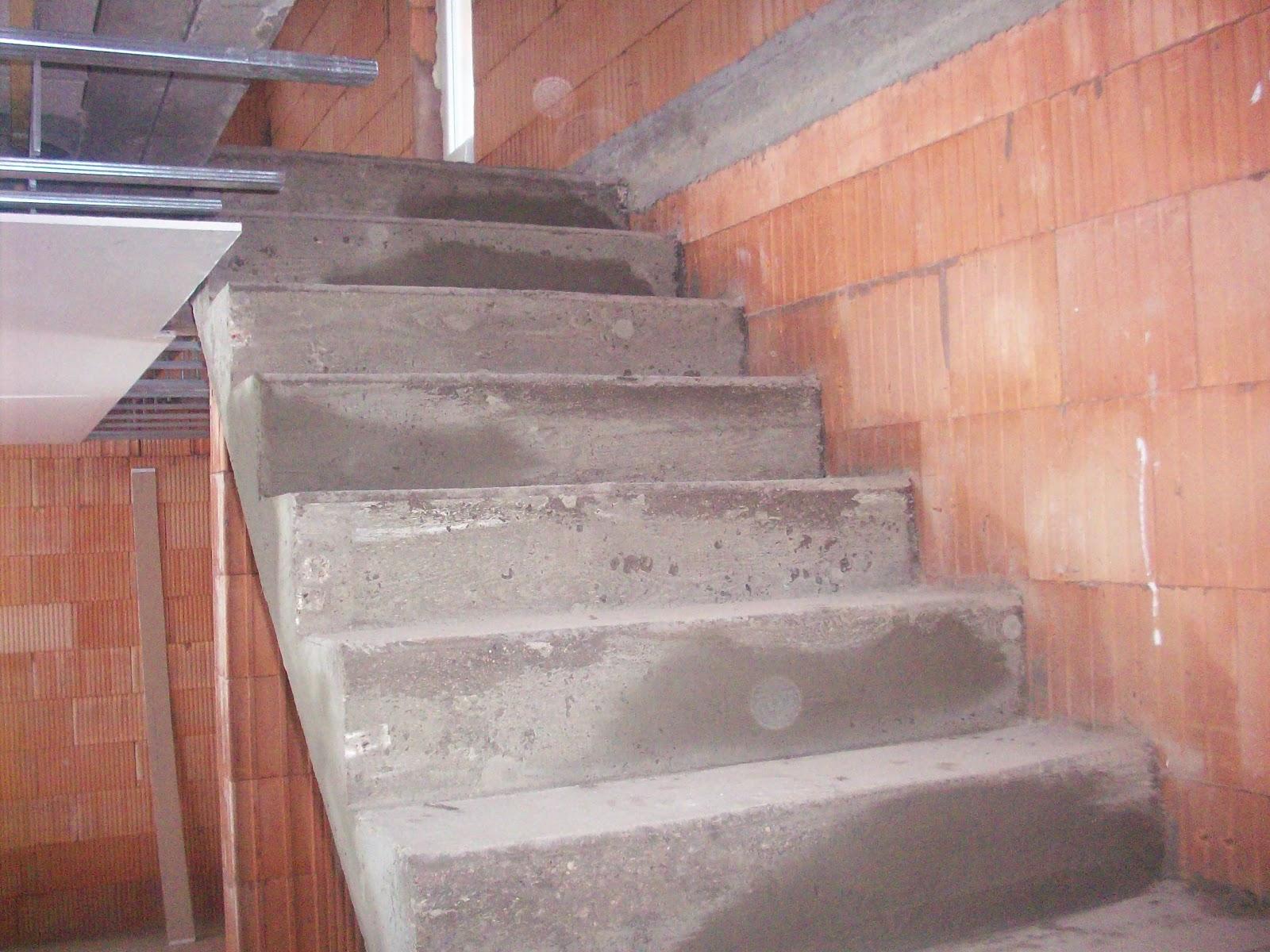 Ma onnerie construction d 39 un escalier dans une maison neuve for Construction escalier exterieur beton